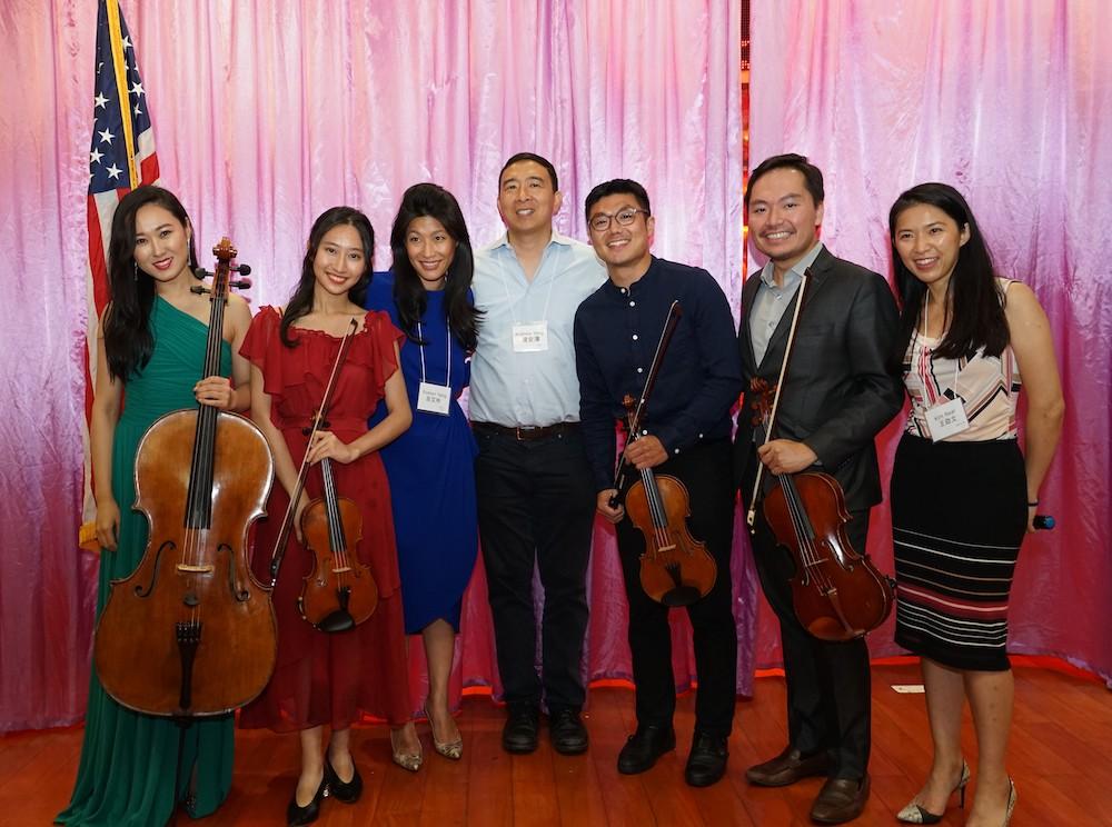 楊安澤伉儷宴請社區強力助選大將 多位領袖、義工及賢達應邀出席接受表揚